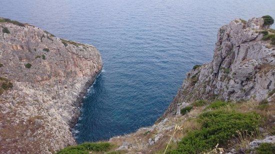 Gagliano del Capo, Italia: Vista sul mare da sopra la Grotta Ortocupo