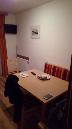 Essecke in der Küche - Picture of Haus Annemarie, Wagrain - TripAdvisor
