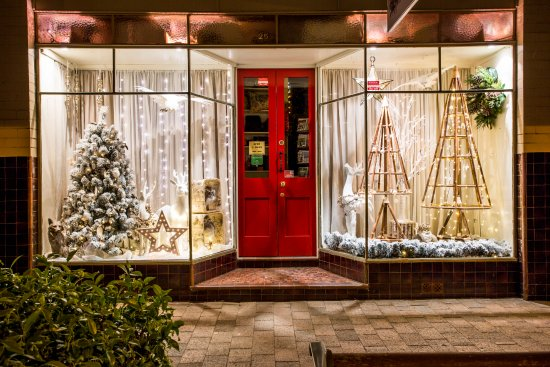 Bundanoon, Australia: Christmas windows 2016
