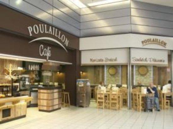 magasin poulaillon dans la galerie marchande de carrefour mulhouse illzach