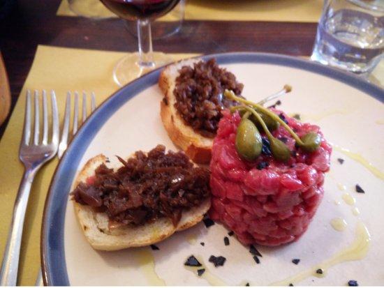 San Marcello Pistoiese, Italia: tartare e crostini
