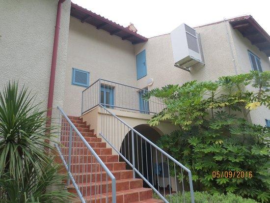 Naturist Solaris Residence: der aufgang ins appartement