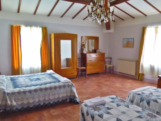 San Venanzo, Italien: Relax with your family; we have apartments that can host up to 9 guests.