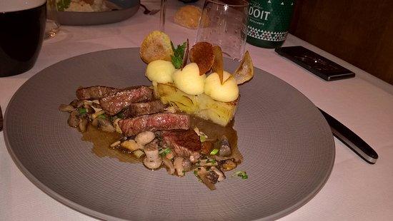 Savonnieres, France: bœuf accompagné d'un gratin de pomme de terre