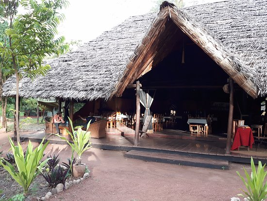 Migunga Tented Camp: restaurant, bar