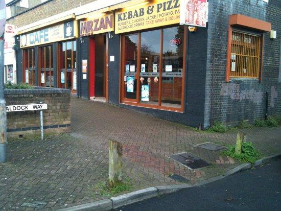Borehamwood, UK: Food & Drink