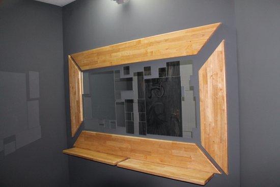 Pomerols, Frankrike: Miroir Toilette