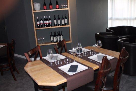 Pomerols, Frankrike: salle restaurant