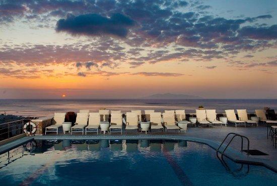 Epavlis Hotel
