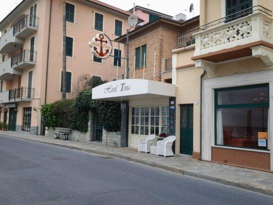 Hotel Tina