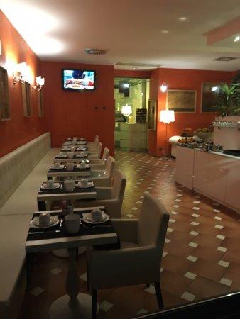 Borgovico Hotel: Sala colazione ed hall