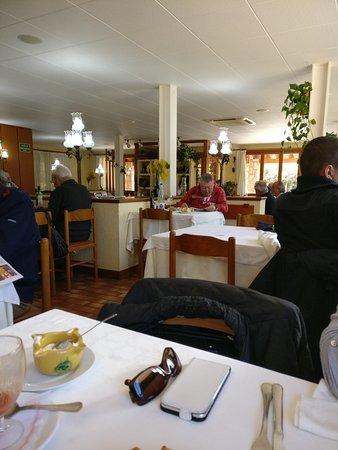 Riells del Fai, Spanyol: Vista sala,  pan tostado y allí iremos oli,  patata y  judías verdes,  crema de carbassa,  con j
