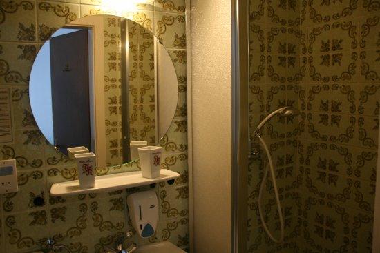 Tauplitz, Autriche : Bathroom in every room.