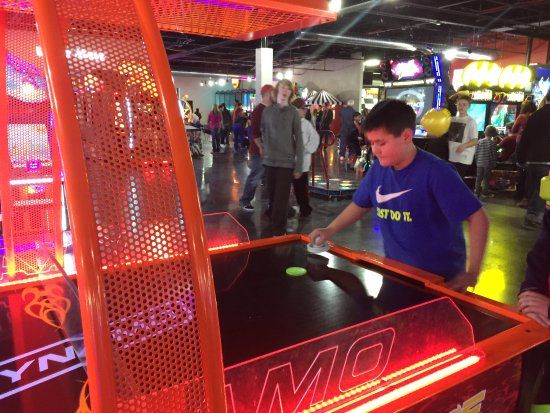 Milford, OH: Air Hockey