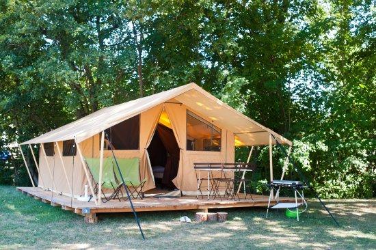 Camping Huttopia Saumur : T6oile & Bois entièrement équipée !