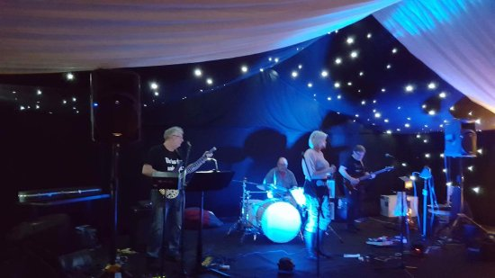 Hadlow, UK: the Band at the launch party