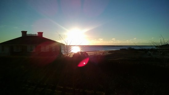 Chatham Bars Inn Resort and Spa: Winter Sunrise from our room on 28Jan2017