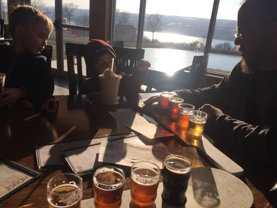 Burdett, NY: Milk shakes for the kids and beer flights for the parents! Awesome day at the brewery 🍻