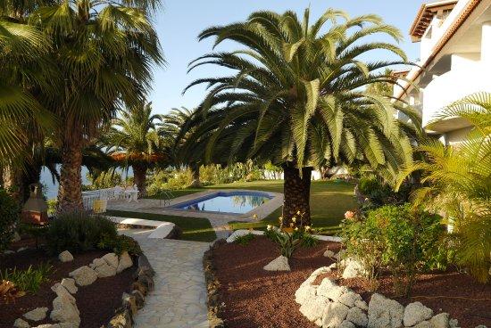 Residencial Rolando: sehr gepflegter Garten mit beheiztem Pool