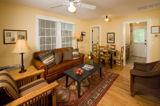 every cottage features a full kitchen and screened in front porch rh tripadvisor com