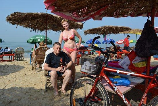 Pinacolada Beach Shack: Под зонтиками Пинаколады...