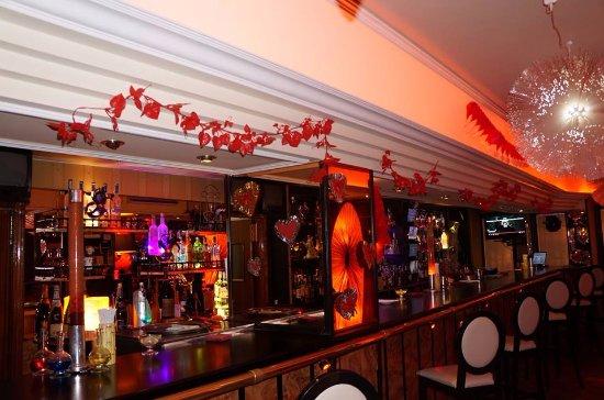 Pub edward 39 s nightclub calle libertad 51 in - Decoraciones para san valentin ...