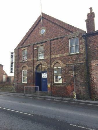 Horncastle, UK: Drill Hall Antique Centre
