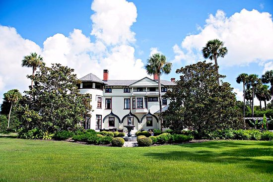 De Land, FL: Another beautiful day at the Stetson Mansion