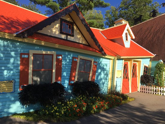 """Even the entrance to Story Land is whimsical...right through the """"crooked house that Jack built"""""""