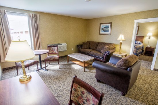 Marystown Hotel & Convention Centre: Suite