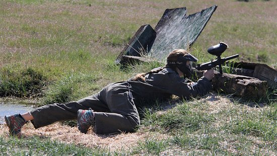Zion Ponderosa Ranch Resort: Paintball competitor hides from challengers.