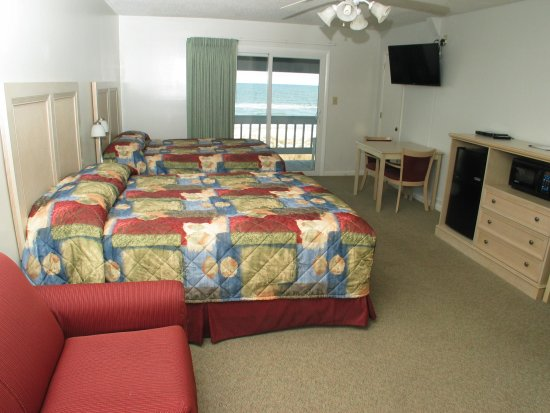 Beach House Inn and Suites