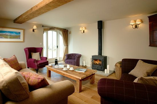 Ravenstonedale, UK: Angel Barn - relax in front of the wood burning stove