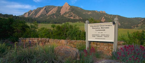 'TripAdvisor' from the web at 'https://media-cdn.tripadvisor.com/media/photo-s/0e/6d/48/8f/colorado-chautauqua-national.jpg'