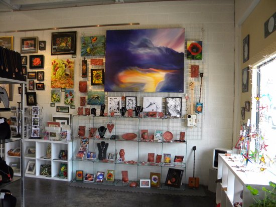 Cottonwood, AZ: Local Art in the Hart of AZ ART Gallery