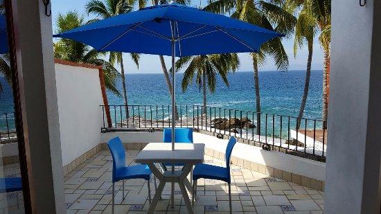 Playa Conchas Chinas: Our patio