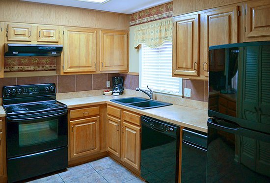 Lake Hamilton, AR: 2 Bedroom Kitchen