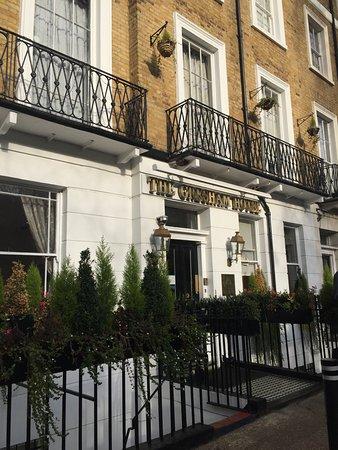The Gresham Hotel : Inngangsparti