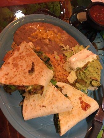 Battle Ground, WA: Great Vegetarian Quesadillas!