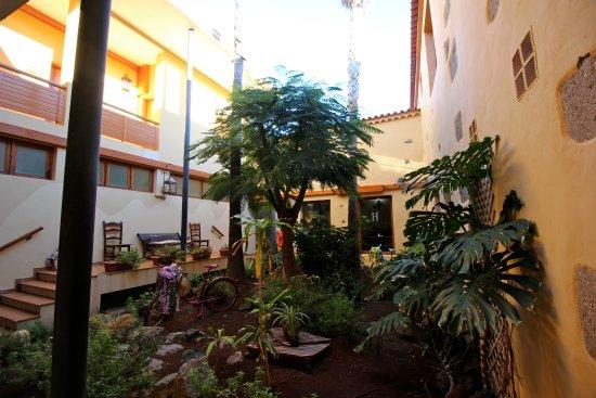 Aguimes, สเปน: Courtyard Garden