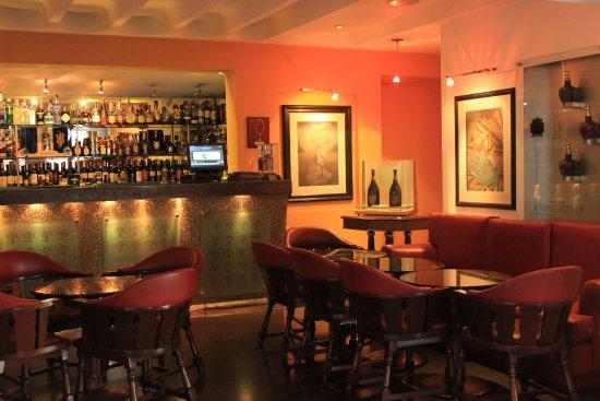 Las Cuatro Estaciones: Nuestro Bar..
