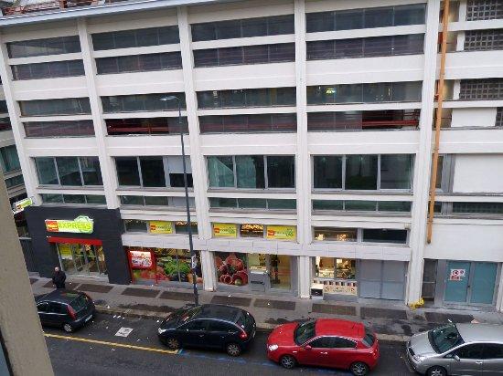 Hotel Bolzano : Justo enfrente hay un supermercado