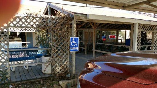 Hamilton, TX: Storm's Front entrance