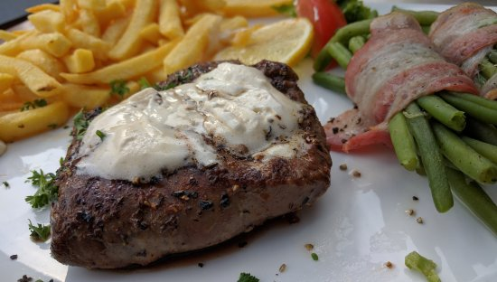 Altenau, Germany: Lammfilet mit knoblauchbutter