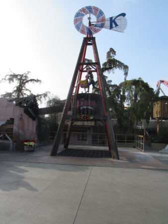 Buena Park, CA: Entrada