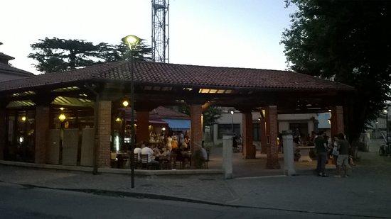 Osteria Al Merca : Ex mercato del pesce bellissima location!