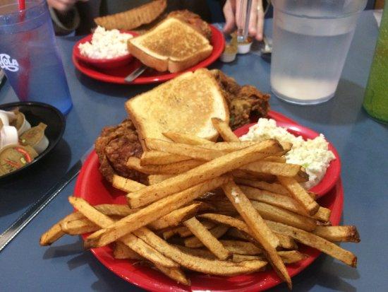 Kingsport, TN: Nick's Family Restaurant & Catering