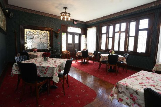 Cape May Court House, NJ: One of 2 dining rooms at the Inn.