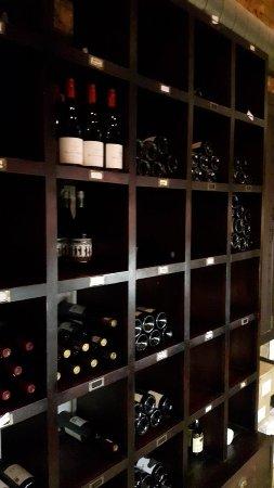 Savoy Cabbage: gut sortierte Weinauswahl