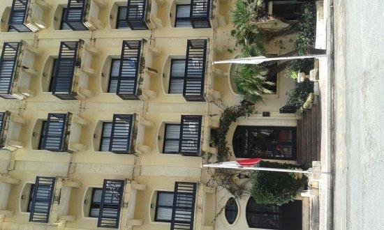 Saint Patrick's Hotel: 20170211_110143_large.jpg